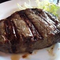 """Rib-eye bij Gauchos                      Fraai stuk vlees, zeer smakelijk en goed gegrild, waarlijk een eenvoudige doch voedzame maaltijd. • <a style=""""font-size:0.8em;"""" href=""""http://www.flickr.com/photos/88422686@N06/13974920944/"""" target=""""_blank"""">View on Flickr</a>"""
